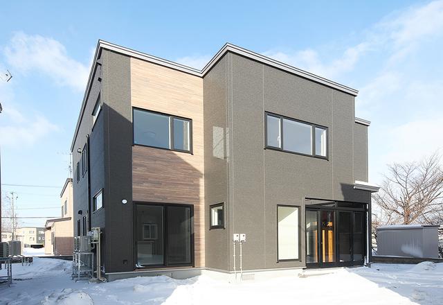 空間の雰囲気が異なる二世帯住宅